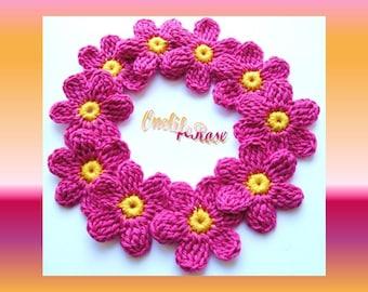 12  pieces of Crochet Flowers
