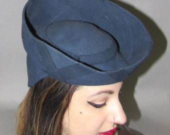 ROSE DESCAT Designer, Art Deco Late 30's Early 1940's Vintage Wool TOY or Doll Hat