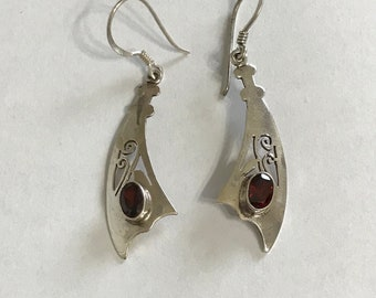 Sterling Silver Earring. Handmade Dangle Earring. Garnet Earring