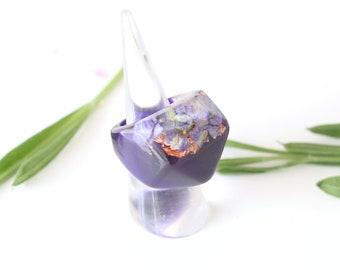 Flower ring purple, purple ring, botanical ring, ladies resin ring, purple ring, flowers in resin, terrarium ring, copper metallic flakes