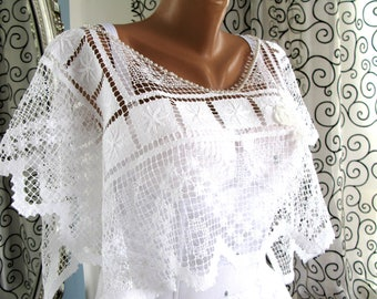 Wedding shawl/Wedding lace cape/Romantic wedding shawl/lovely bridal shawl/lace capelet