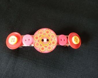Barrette ethnic motif buttons