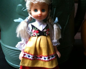 Dolls  Of All Nations Switzerland Vintage Collectible 1987 Lucky Co. LTD.