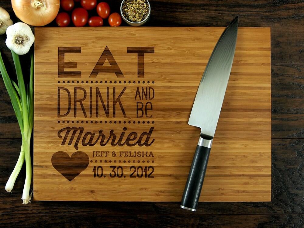 essen trinken und sein verheiratete personalisierte. Black Bedroom Furniture Sets. Home Design Ideas