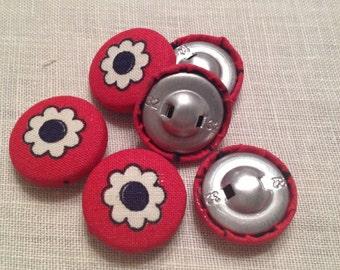 Set di 6 bottoni rivestiti in stoffa rosso con fiore bianco
