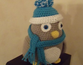 Penguin with Hat and scarf crochet