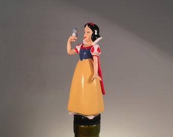 Snow White Wine Stopper, Snow White Gift, Wine Gift, Wine Gifts, Disney Wine Stopper, Disney Gift, Princess Wine Stopper, Princess Gift