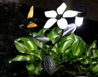 Hummingbird, Flower Vine Stake, 2 Solar Lights + Engraved Plaque: Bird Metal Wall Art Gift For Fathers Day, Mothers, Valentines Day & Gifts!