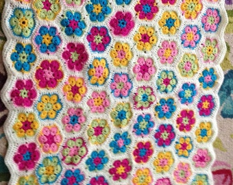 Handmade African Flower design crochet baby blanket, crochet hexagon blanket, flower hexagon blanket, floral baby afghan, diagonal striped