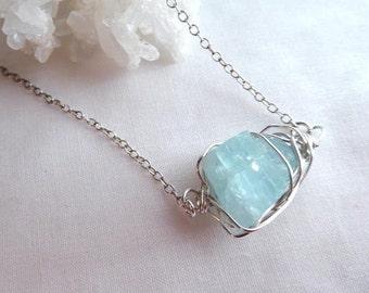 Blue raw aquamarine pendant- Silver wire wrapped raw gemstone necklace- Aquamarine crystal pendant- Boho women fashion pendant