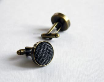 Grey fabric cufflinks. Herringbone cufflinks. Made in Italy. Round cufflinks. Gift for him. Groom cufflinks. Wedding accessories.