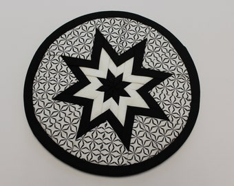 Black & White Folded Star Quilted Hot Pad, Trivet, Potholder