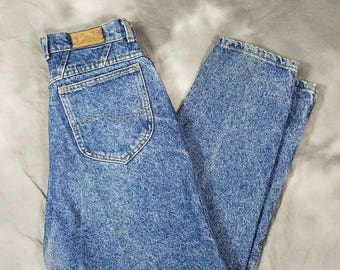 Blue acid wash denim Lee jeans, high waist mom jeans, 90s medium