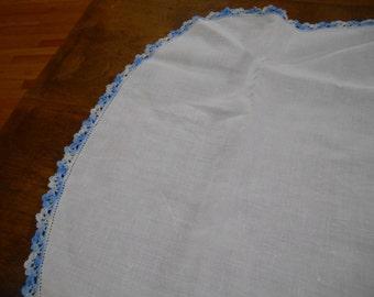 Long white table runner with blue edging Doily