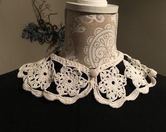 Vintage Crocheted Collar, 1940s
