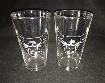 Chicago Bulls Hand Etched Pint Glasses!