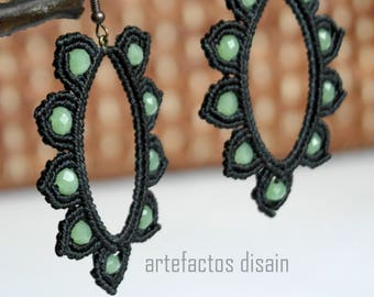 Earrings with gemstone and macrame