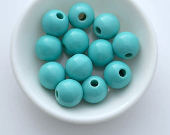 Vintage Round Turquoise Lucite Beads 13mm (16)