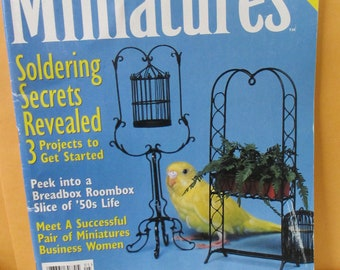 Dollhouse Miniatures Magazine Back issue May 1998  issue  used good condition.