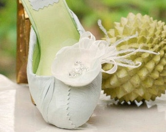 Shoe Clips Ivory & Celadon Sage Green Mint. Embellishment Bride Bridesmaid Fashion Gift, Feminine Elegant Romantic Spring, Pearl Glass Bead
