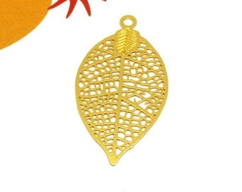 Set of 4 prints, Metal Gold filigree feather charms - 28 * 15mm