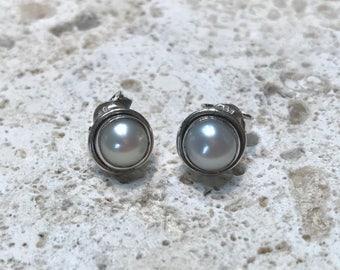 Medium pearl sterling silver studs