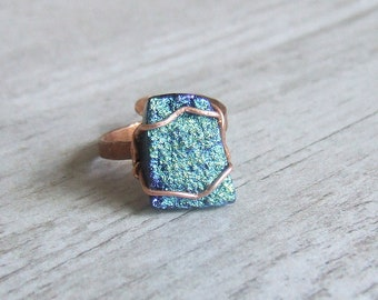 Agate raw stone minimal  ring, Druzy titanium peacock colored ring, rustic look jewelry, adjustable copper ring
