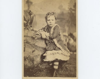 Victorian Cabinet Card 1800s: Young Girl [ID'd as Eva Sprague] L.W. Zuver Studio, Duke Centre, PA (71549)