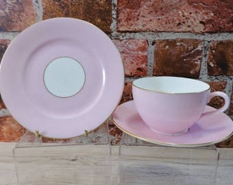 Shelley - Candy Pink & Gold Trio cup saucer side plate