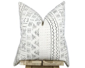 Mudcloth Pillow Cover, African Mud Cloth | Cream and Black | 'Leila'