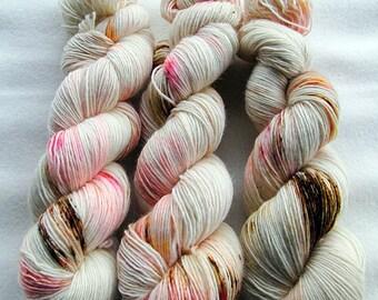 Merino SINGLE yarn, 100% Merinowool 100g 3.5 oz.Nr. 142