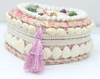 Seashell Conch Seaside Shell Encrused Jewelry Box Trinket Storage Flip Top