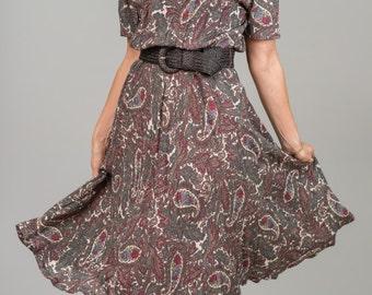 Vintage Floral Paisley Dress (Size Medium)