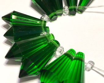 Emerald color Faceted Crystal drop briolettes top drilled 18mm
