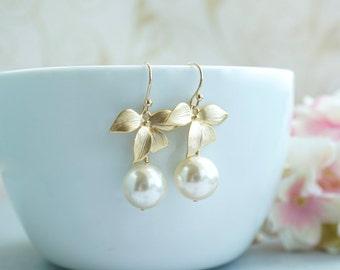 Gold Flowers Earrings. Gold Orchid Earrings, Orchid Earrings Dangle Earrings, Short Dangle Bridesmaids Gifts, Gold Flowers, Garden Wedding