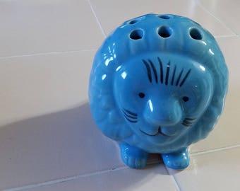 FREE U.S. SHIPPING--Blue Lion Flower Frog