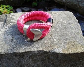 Arrowhead climbing rope bracelet