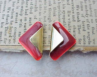 Pretty Little Vintage Earrings with Bittersweet Red on Gold Toned Metal