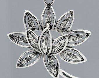 1 large pendant carved flower