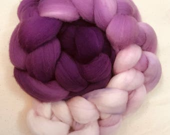 Hand painted merino wool roving in Allium