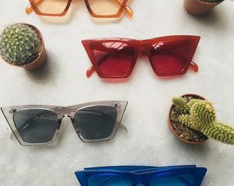 New: Transparent plastic square sunglasses