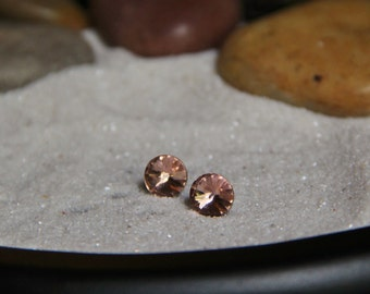 Sparkling Mutilfaceted Cut Round Earrings!