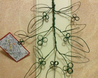 Branch sculpted wire wrapped green dark hanging door pictures