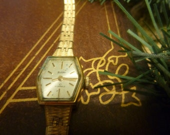 Vintage Elgin 17 Jewel Ladies Watch FRANCE    (T)