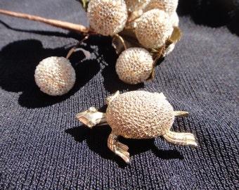 Vintage Beautiful Turtle Brooch Pendant Pin Vintage Jewelry Brooch Turtle