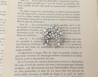 Crescent Pearl Brooch.Small Pearl Brooch.Crystal Pearl brooch.Vintage Style.Small Pearl Rhinestone Brooch.Broach.Pin.wedding accessory