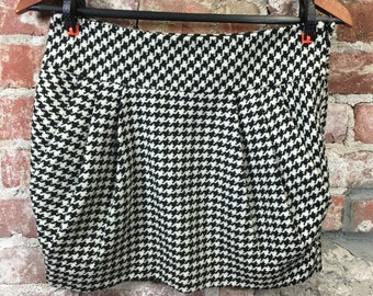 Vintage Hounds Tooth Lambs Wool Mini Skirt with Front Pleats & Pockets