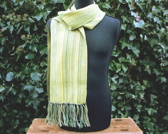 handgewebter scarf with linen, 1.80 m x 0.25 m plus fringes, one of a kind Green Green Green