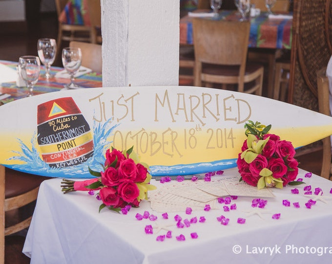 Just Married Wedding Surfboard Wood Sign, Unique Wedding Gift Idea for Couple, Beach Tropical Wedding Decor