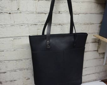 leather tote bag with zipper.leather tote .leather tote bag. leather bag.black leather tote bag with zipper.black leather tote. leather bag.
